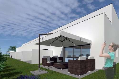 Neubau Erstbezug Reihenhaus mit Garten und 2 Parkplätzen