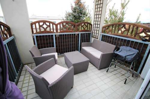 Helle Wohnoase mit großem Balkon!