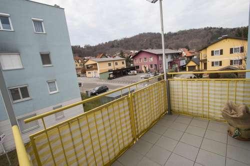 Ruhiges Domizil mit Balkon und Tiefgaragenplatz!