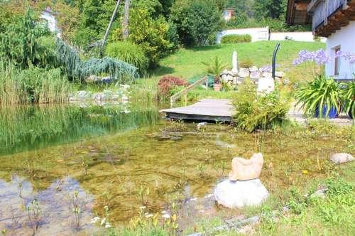 Weitläufiges Anwesen mit idyllischem Teich