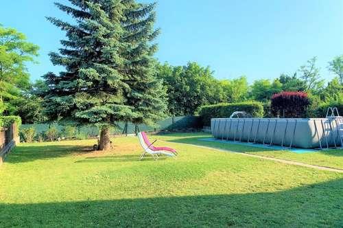 Mehrgenerationenhaus mit riesigem Garten und Swimmingpool!!