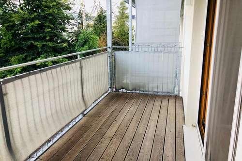 Großzügiges Schmuckstück mit charmantem Balkon!