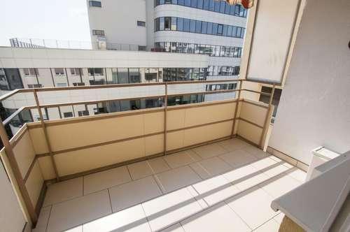 Zentrales Schmuckstück mit sonnigem Balkon! WG-tauglich!