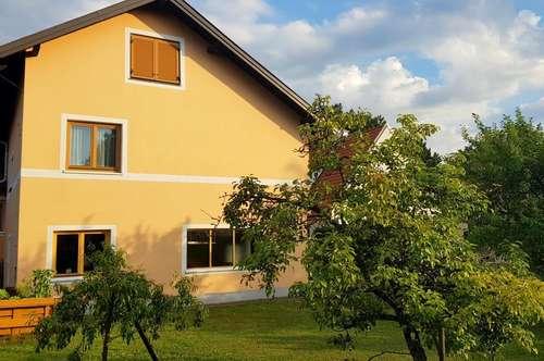 Zweifamilienhaus im Grünen