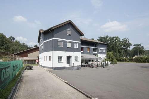 Ruhiges Hotel mit Tennishalle und Reisemobilplätze!