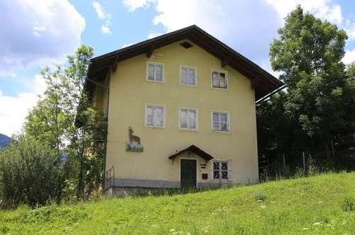 Sanierungsbedürftiges Wohnhaus mit zusätzlicher Bauparzelle