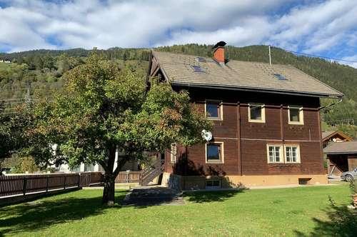 Schönes Grundstück mit sanierungsbedürftigem Landhaus
