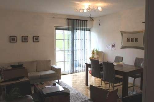 Schöne 2-Zimmer-Wohnung mit Loggia