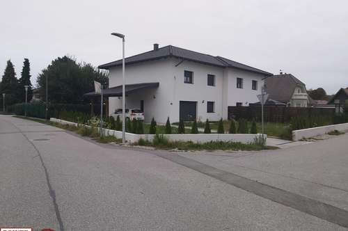 Geräumige Doppelhaushälfte mit Garten!!