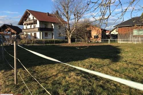 Mehrfamilienhaus mit mehr als genügend Platz! Mit der Option zu mehr Grundstücksfläche!
