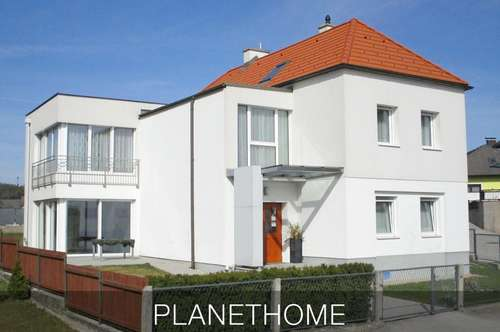 Modernes großes Ein-/Mehrfamilienhaus in Hochwolkersdorf