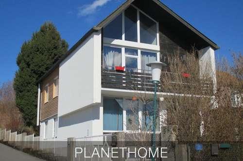 Großes modernes Haus in einer Streusiedlung nahe Hochwolkersdorf