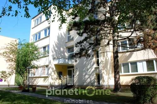 Perfekt aufgeteilt - 3 Zimmer-Wohnung mit Balkon und Parkplatz in Ruhelage