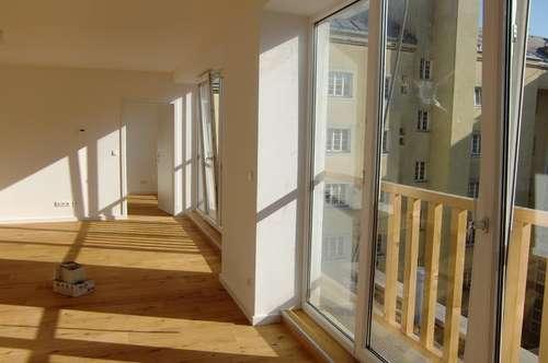 Sensationelle Gelegenheit!!! 5 DG Wohnungen und 8 Neubau - Hofhauswohnungen  für Nutzung: gewerbliches Wohnen im Erstbezug in Bestlage in der Thaliastrasse