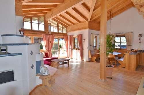 Jochberg: Gemütliche Dachgeschosswohnung mit Terrasse