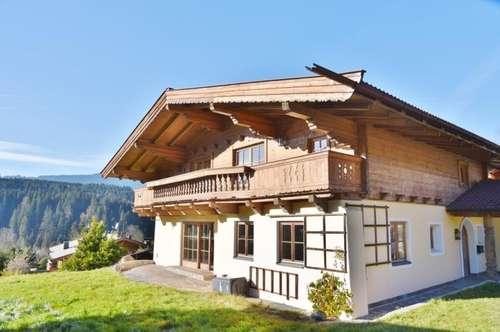 Kitzbühel: Schönes Landhaus in ruhiger Sonnenlage mit Ausbaupotential