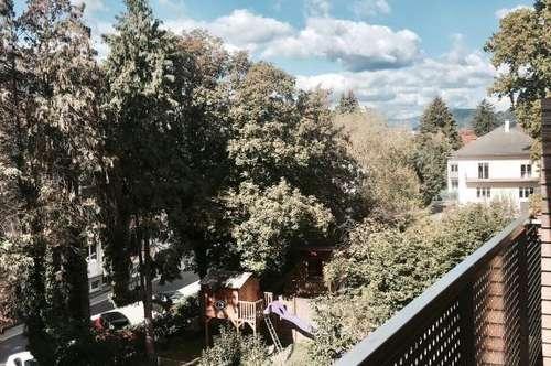Ab sofort! Tolle 2-Zimmer-Wohnung mit Balkon und Carport!