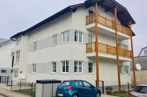 ! SINGLEHIT ! Mietwohnung im Obergeschoss, mit Balkon, in Zentrumsnähe