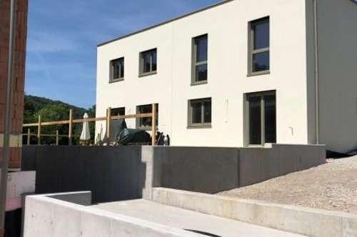 ERSTBEZUG Top 3 Schlüsselfertige Doppelhaushälfte mit Donaublick