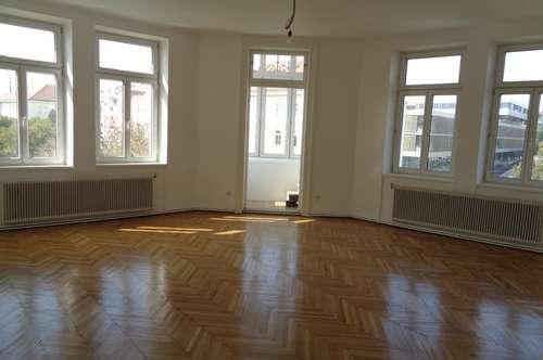 ERSTBEZUG /Unbefristete 3-Zimmer Erkerwohnung / WG geeignet