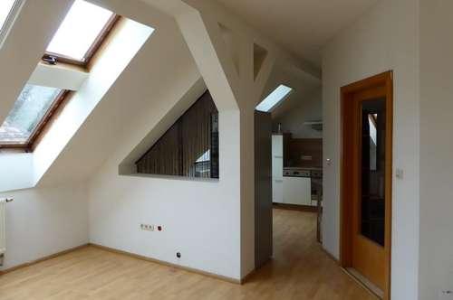 Dachgeschoßwohnung