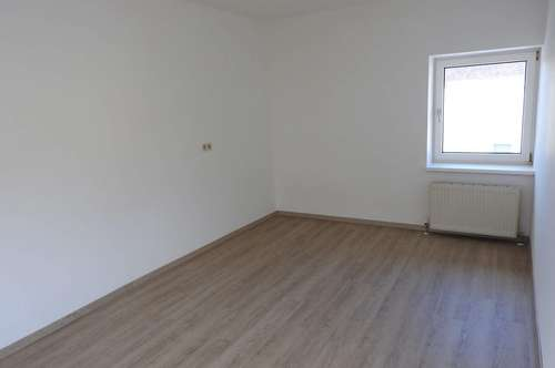Enns: Attraktive 38 m² Einraumwohnung