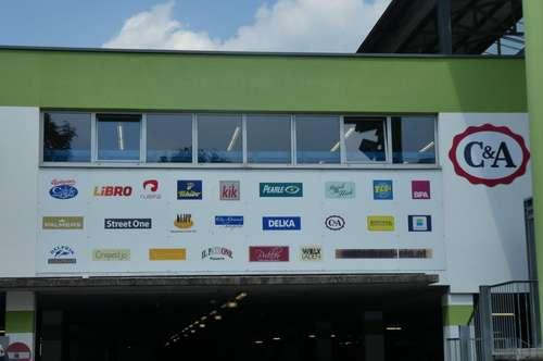 barrierefreie ablösefreie branchenfreie Handelsfläche in EKZ - Kundenparkplätze vorhanden