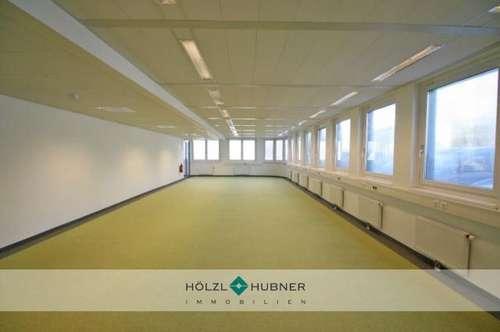 Geräumiges Großraumbüro in Autobahnnähe