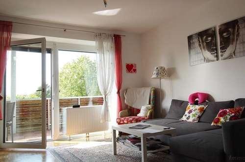 Geförderte, moderne 2-Zimmer-Wohnung in traumhafter Aussichtslage mit 16,73 m² Westloggia