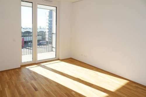 Gemütliche helle Erstbezugswohnung nähe Murpark   2 Zimmer mit Küche und Parkplatz ab sofort zu mieten!