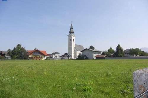 Großzügiges Eckhaus in Wals-Siezenheim