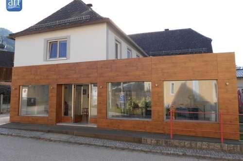 Idylisches Zweifam.Haus mit Geschäft an der Donau !