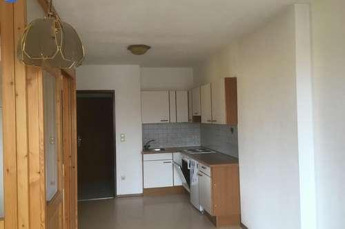 Kleine, nette Wohnung mit Balkon und Gartennutzung nähe Ried!