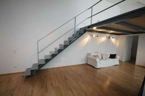 Strozzigasse: super coole Galeriewohnung mit Terrasse in Innenhoflage