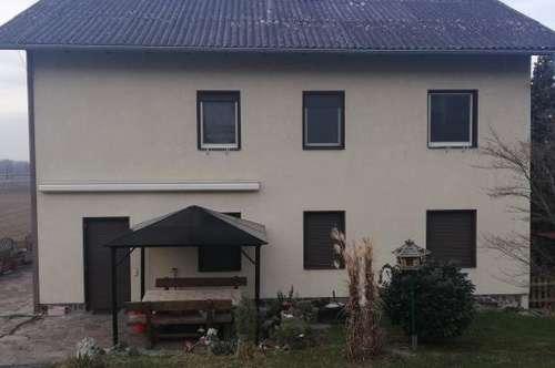 Großes Wohnhaus mit Garten zu Vermieten !