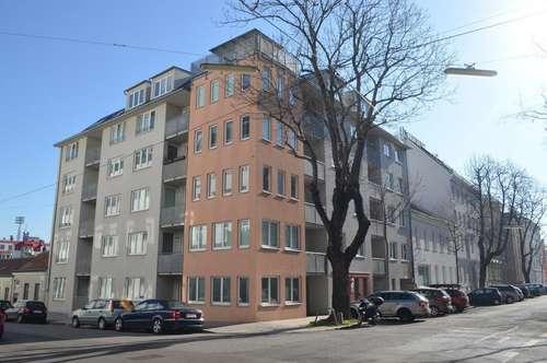 ZEILLERGASSE; 95 m2 BÜRO/PRAXIS/ORDINATION; Empfang, 2 Zimmer (teilbar), Teeküche, 2 WC´s, Loggia