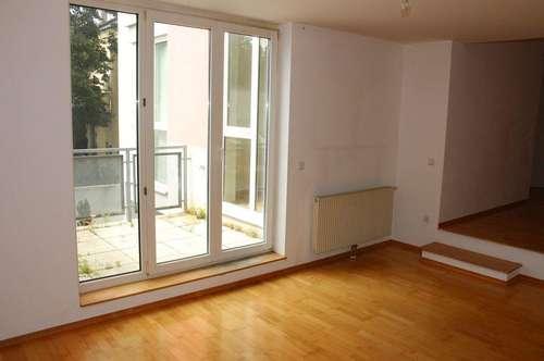KETZERGASSE - SIEBENHIRTEN, sonnige 62 m2 Neubau mit 7 m2 Terrasse, 2 Zimmer, Komplettküche; Wannenbad; Hofruhelage;