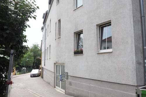 Alturfahr! Schöne Zweiraumwohnung mit möblierter Küche ohne Ablöse!  Nähe Donaustrand!