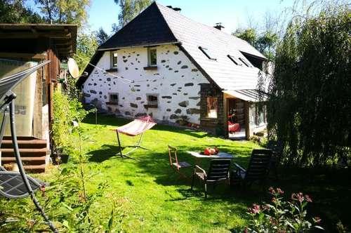 Bauernhäuschen in traumhafter Natur mit Wintergarten, 67 m² WNFL und ca. 370 m² Eigengarten, inkl. Küche, Holz.-Geräteschuppen