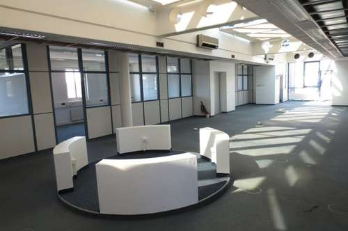 Lichtdurchflutete Bürofläche 409 m² (teilbar) im Franzosenhauspark, inkl. 5 Parkplätze!