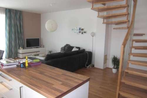 Ansprechende Maisonettenwohnung 101 m² + Balkon 10 m², 5 Zi., Garage und Abstellplatz, Küche gegen Ablöse