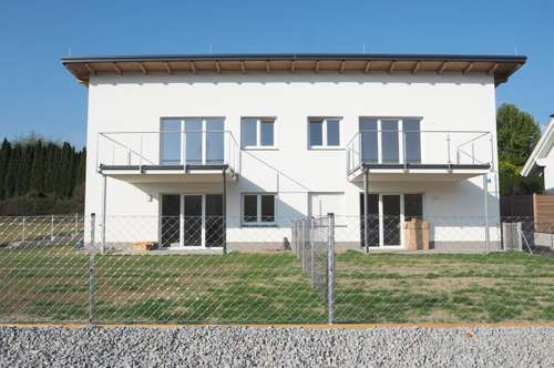 Provisionsfrei! Sehr schöne, sonnige 4-Zimmer-Wohnung Am Rothenbühl, 90 m² WNFL + Balkon + 2 Parkplätze! Erstbezug! Top 3, Engerwitzdorf