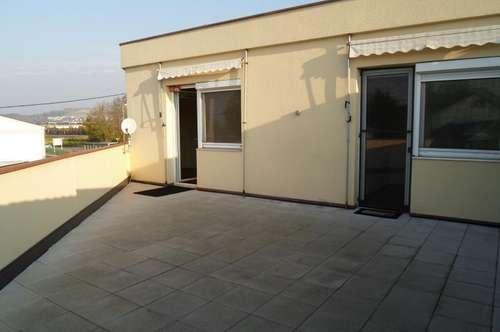 Moderne, gepflegte Wohnung, 79m2 WNFL, mit großzügiger, südseitiggelegener Terrasse, 47,50m2, 1.OG, ablösefreie Küche