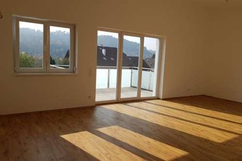 Provisionsfrei! Sehr schöne, sonnige 4-Zimmer-Wohnung Am Rothenbühl, 90 m² WNFL + Balkon + 2 Parkplätze! Erstbezug! Top 3