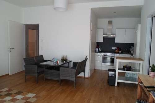 Alturfahr! Sehr schöne, neuwertige 3-Zimmerwohnung mit Terrasse/Gartenzugang, ablösefreie Küche,  77,32 m2 WNFL, ruhige Innenhoflage!