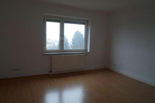 Hausleitnerweg: Für Single/Paar: Ruhige, freundliche Zweizimmerwohnung mit ablösefreier Küche, ca.50m2 WNFL, 1.Stock, Gemeinschaftsgarten
