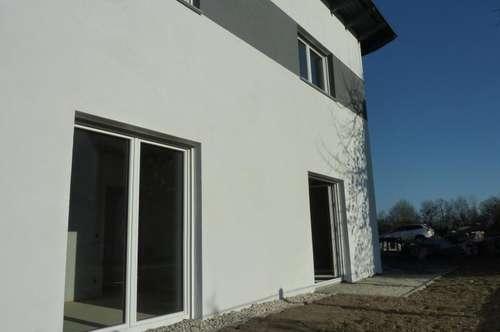 Linz: Pichling: Neue, moderne, belagsfertige Doppelhaushälfte mit 5 Zimmern (ca. 125m² Wohnfläche) und ca. 177m² Eigengarten.