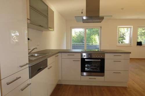 Sehr exklusiv ausgestattete  Dachgeschoß-Maisonnette mit möblierter Küche (ohne Ablöse), inkl. Carport und Parkplatz!