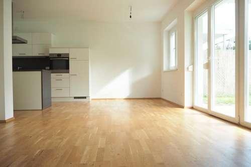 Gartenwohnung in Gallneukirchen Zentrum, 90 m² WNFL, Terrasse und Eigengarten, 4 Zimmer, Küche möbliert, 2 Parkplätze!