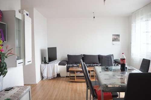 Nähe Musiktheater, 53 m² WNFL + Balkon im 4. Stock, Küche möbliert, 2 Zimmer! Parkplatz optional!